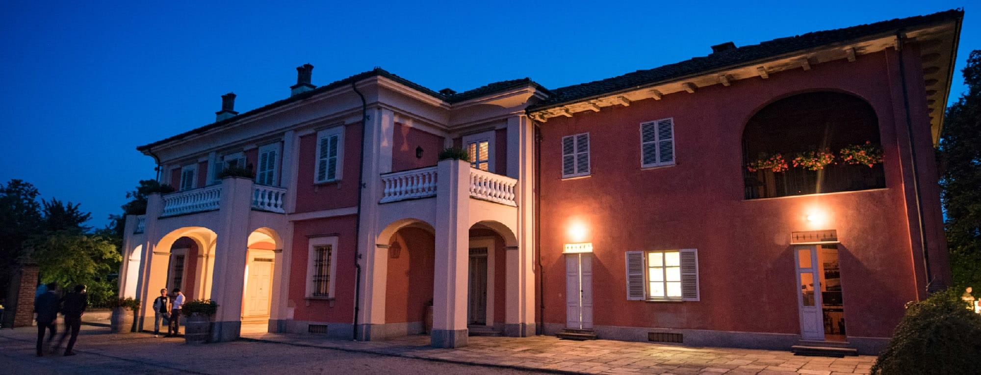 Villa Fiorita per una cena di matrimonio serale.