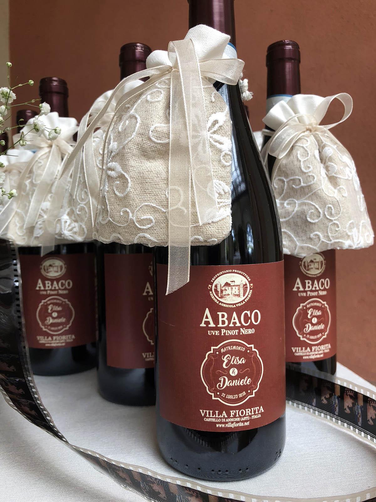 Bomboniere Vino Matrimonio.Una Bomboniera In Bottiglia Come Stupire Gli Invitati Con Un